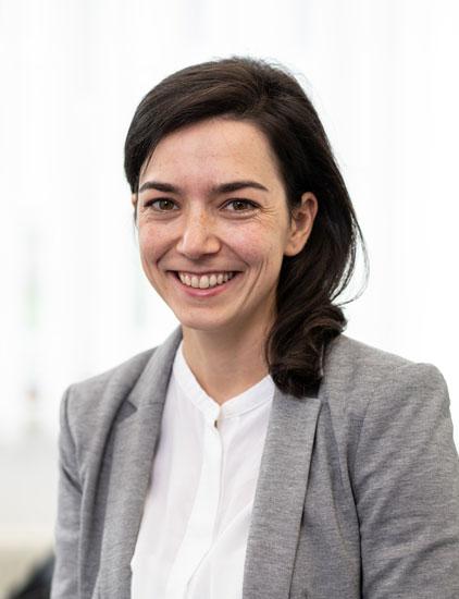 Dr. Bettina Schwörer, Ihre Expertin für Personaldiagnostik